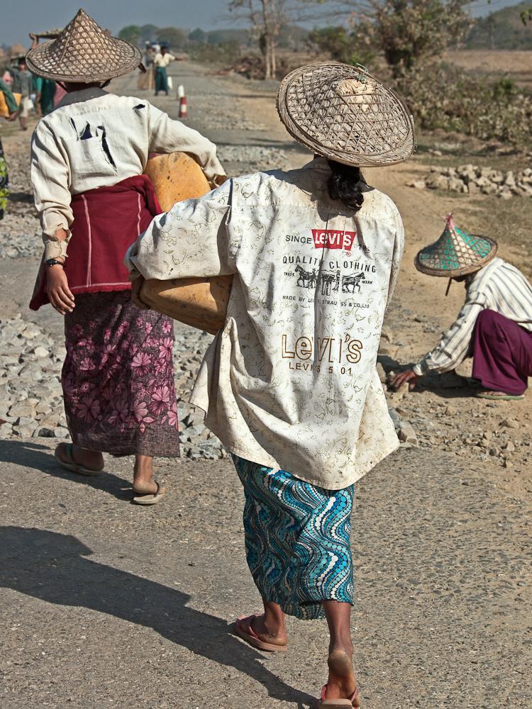 Roadwork-fashionable attire