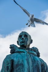 Roald Amundsen mit Möwe in TROMSØ