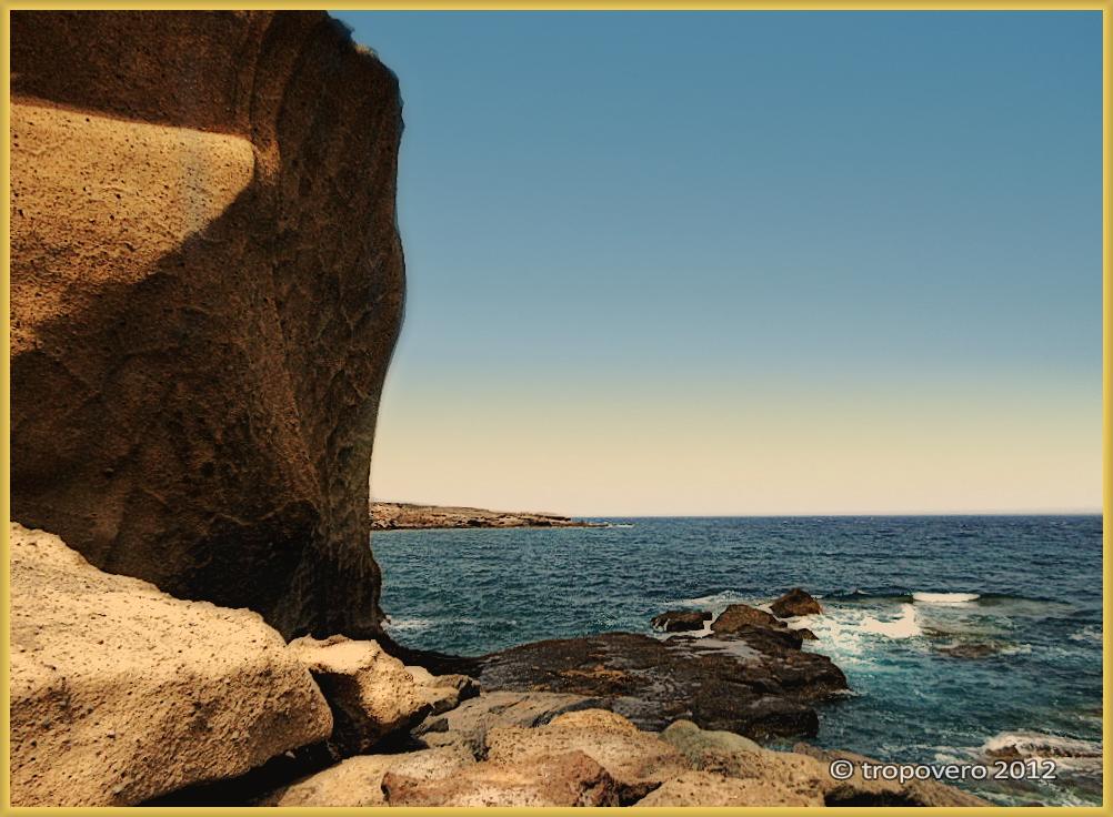 Roca y mar I