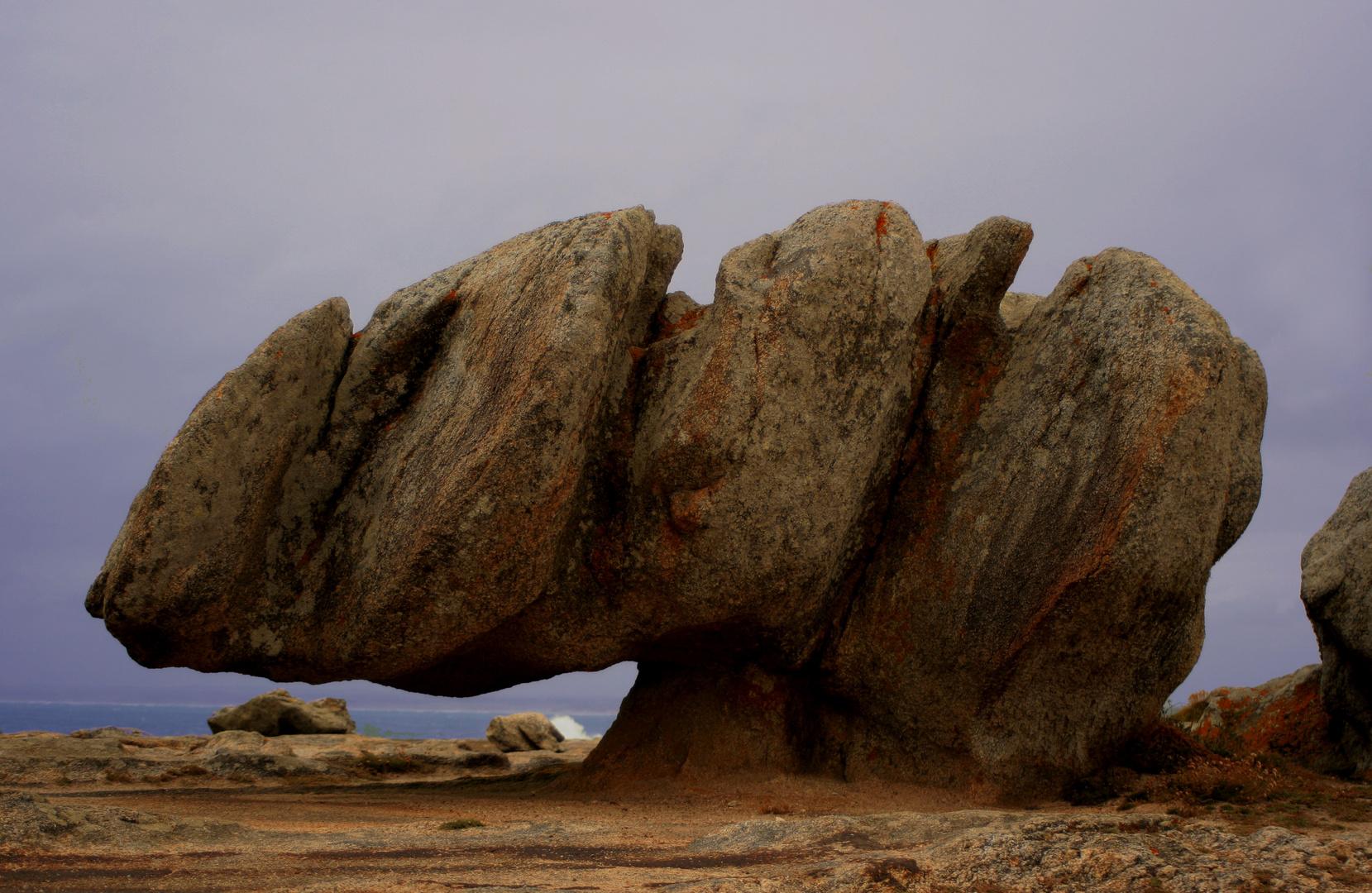 rocher sortant de terre a penmarc'h