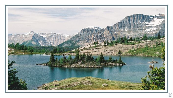 Rock Isle Lake - Sunshine Meadows - Banff N.P. - Alberta - Canada