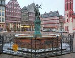 Römerberg mit Gerechtigkeitsbrunnen