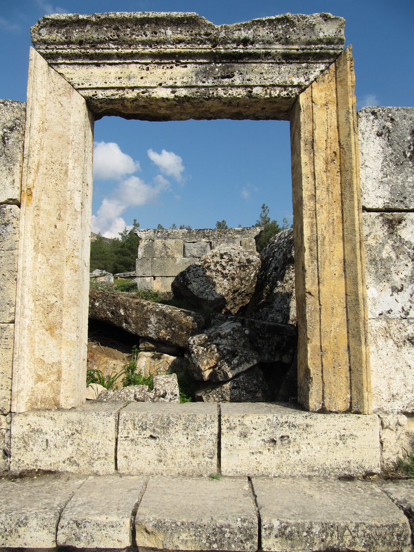 Römische Ruinen in der Nähe von Pamukkale 2