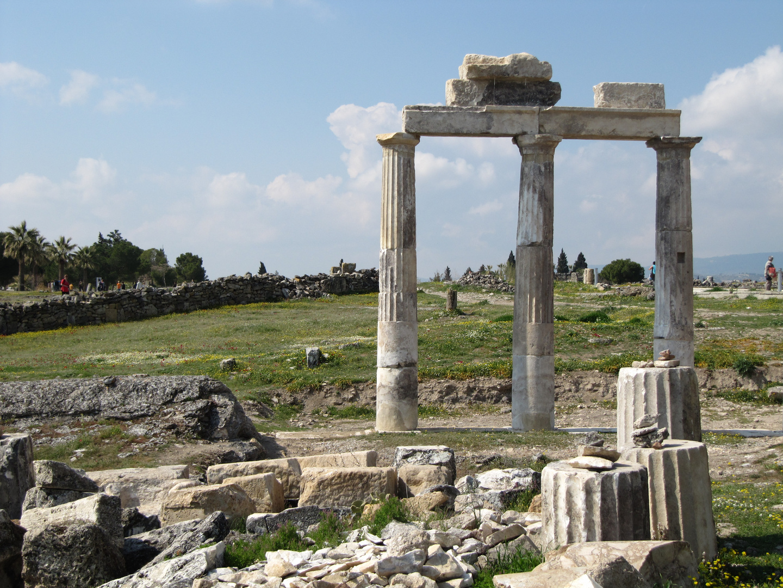 Römische Ruinen in der Nähe von Pamukkale
