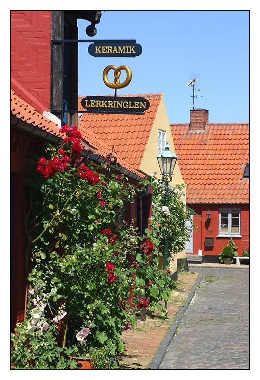 Roenne / Altstadt, Keramik Lerkringlen