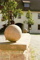 """""""Rollende Steine"""" ins Wasserschloß Klaffenbach"""