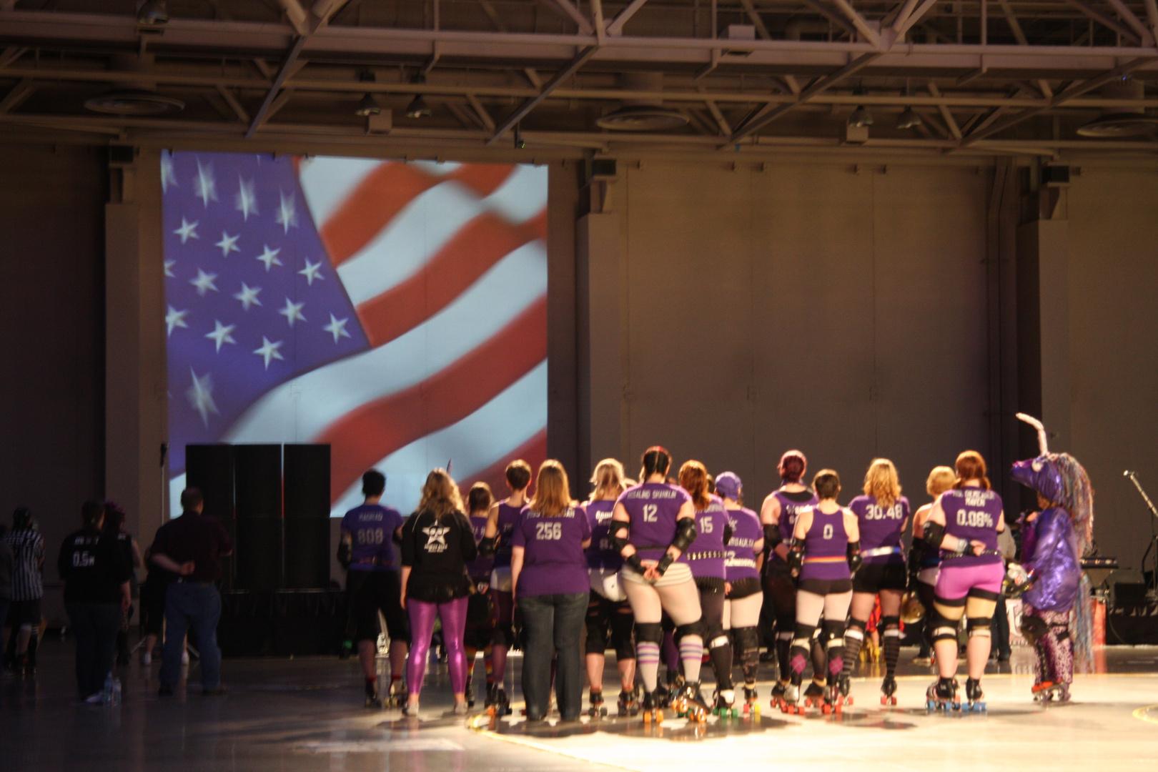 Roller-Derby USA start with flag