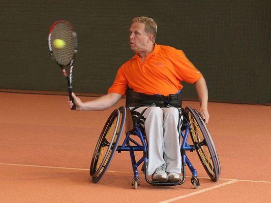 Rolli-Tennis 01