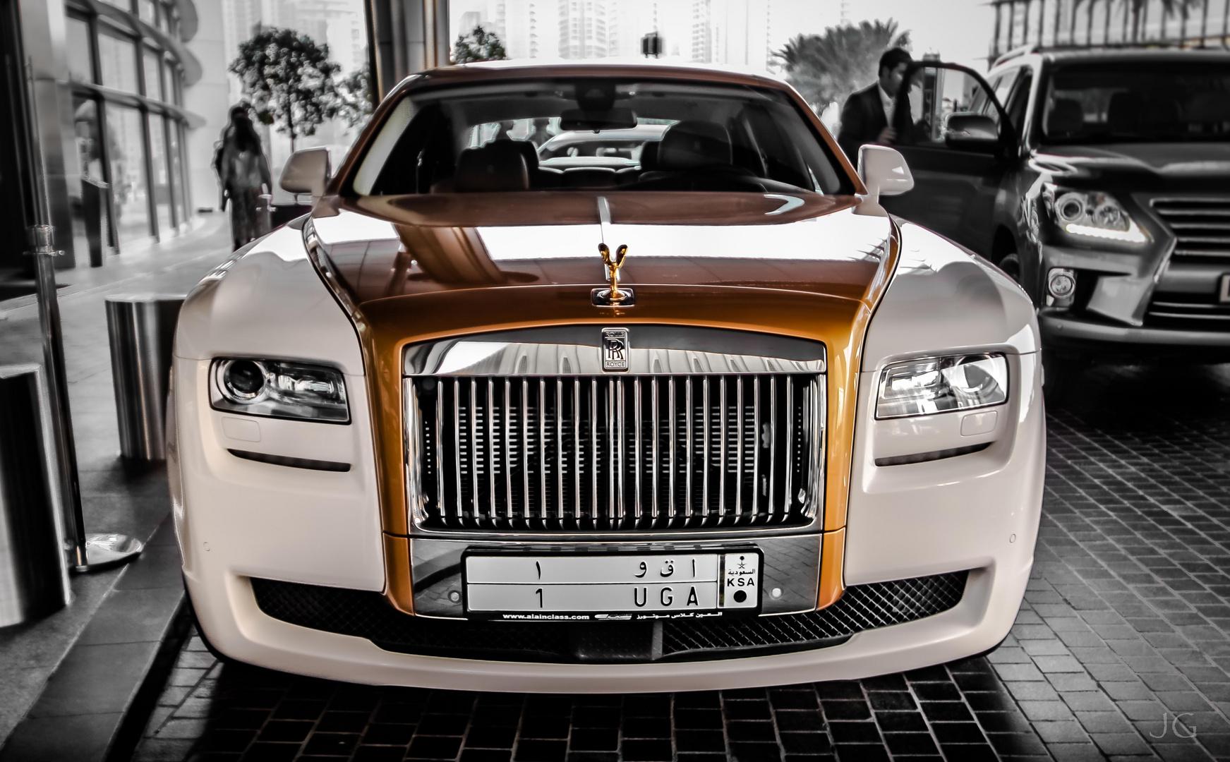 Rolls Royce ...