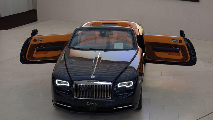 Rolls- Royce Embrace Dawn