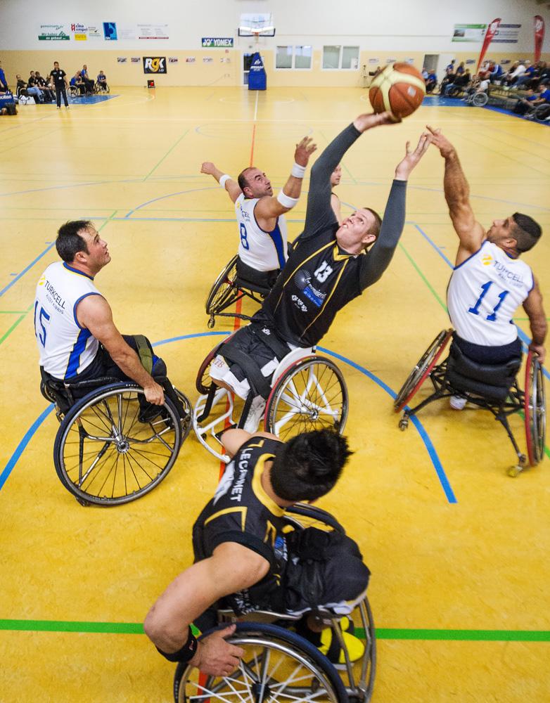 Rollstuhlbasketball 3