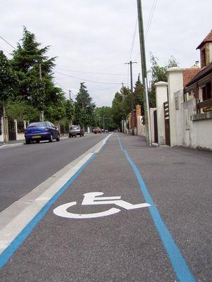 Rollstuhlfahrerweg