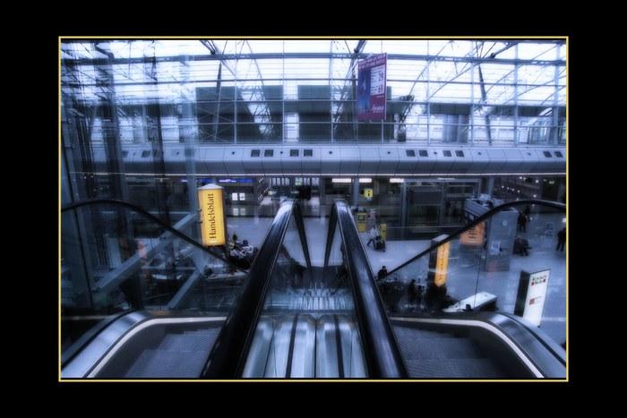 Rolltreppe 2 Düs. Airport