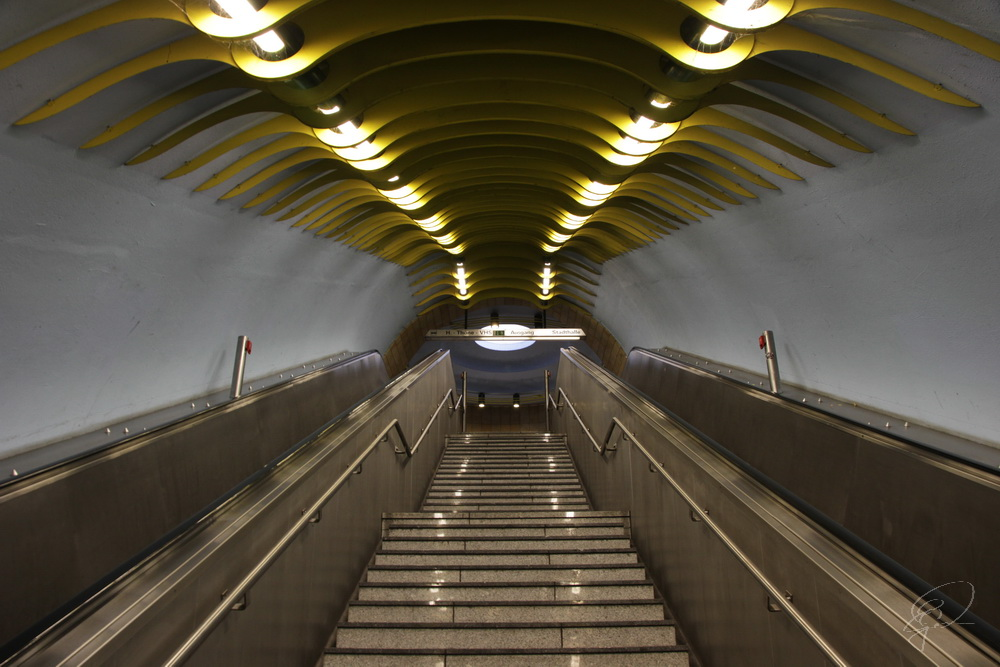 Rolltreppe in der U-Bahnstation Schloß Broich