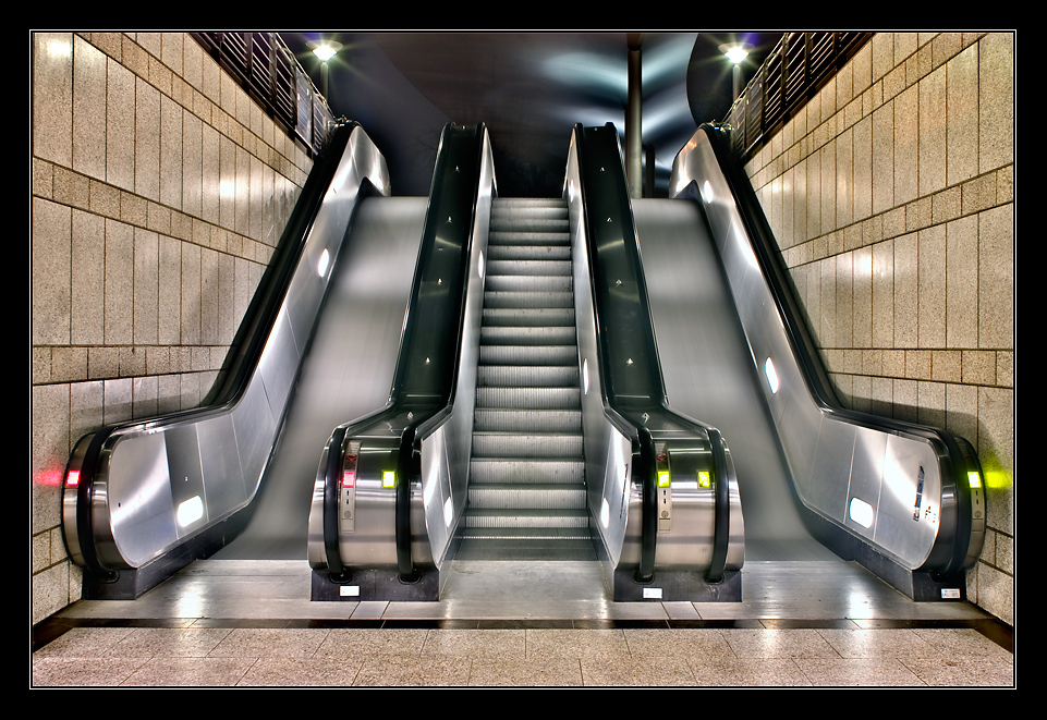 - Rolltreppe - RELOAD