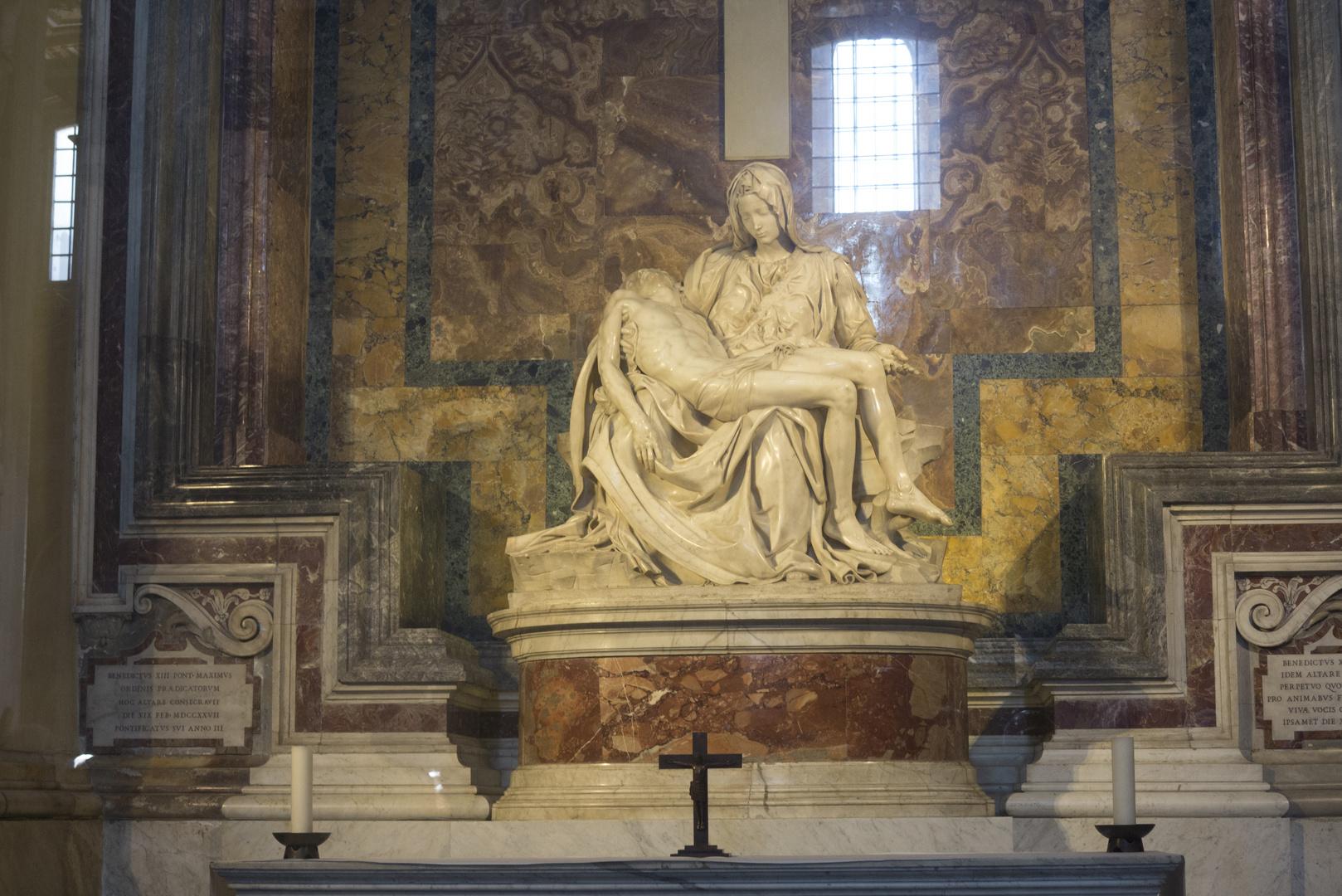 Rom Basilica di San Pietro 4 Pietà