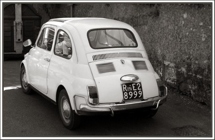 Rom-Memories - Una macchina bianca (Ein weißes Auto)