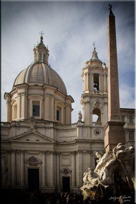 Rom Piazza Navona, S. Agnese in Agone (von Borromini) mit Fontana dei (Quattro) Fiumi (von Bernini)