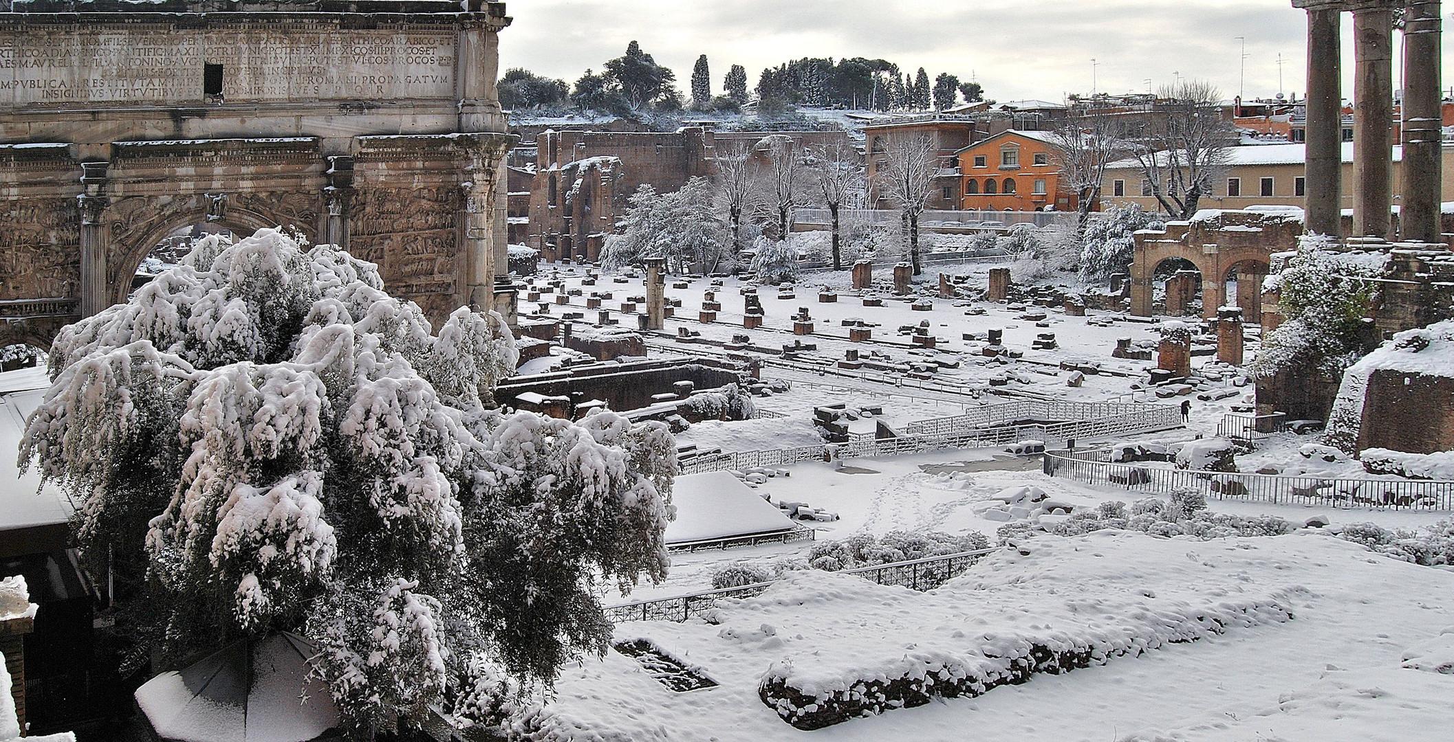 """Roma: """"Il Foro Romano e il Palatino sotto la neve"""""""