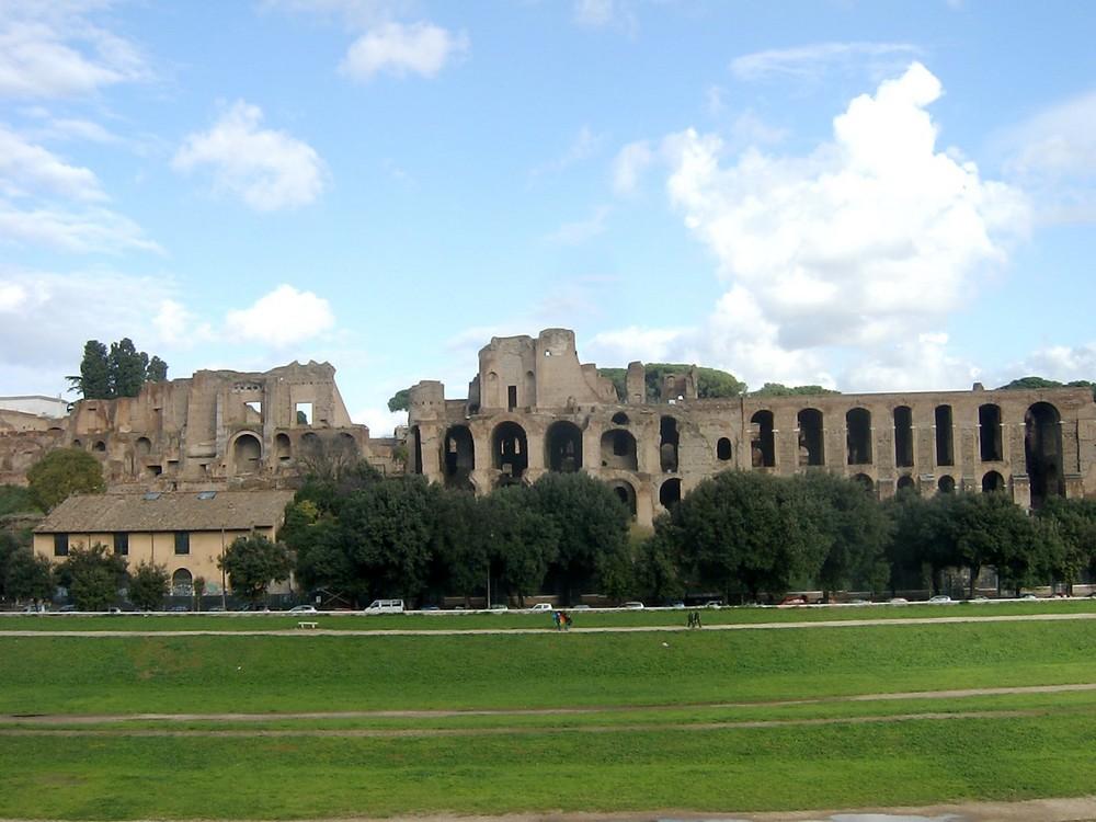 ROMA, le imponenti rovine del Palatino