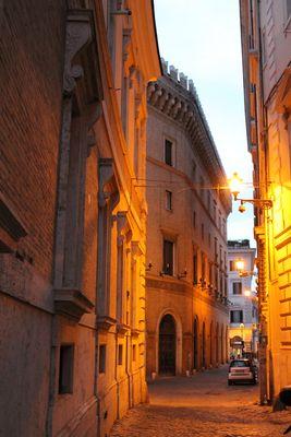 Roma , via dei Fornari