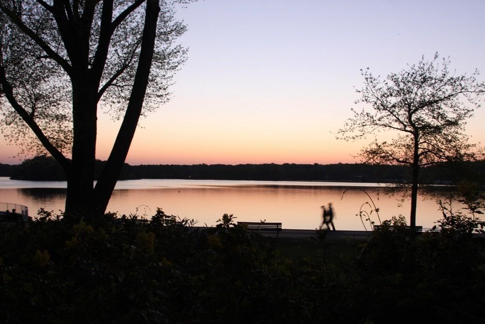 Romantischer Abendspaziergang am Tegeler See