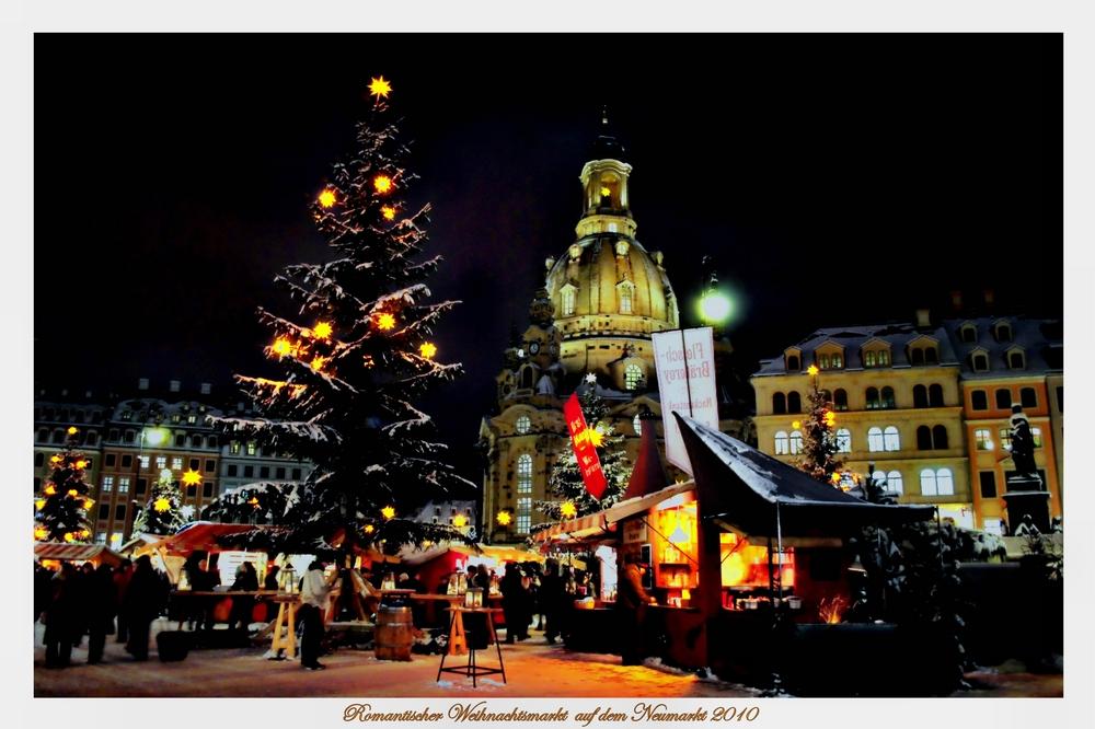 Romantischer Weihnachtsmarkt auf dem Neumarkt in Dresden 2010