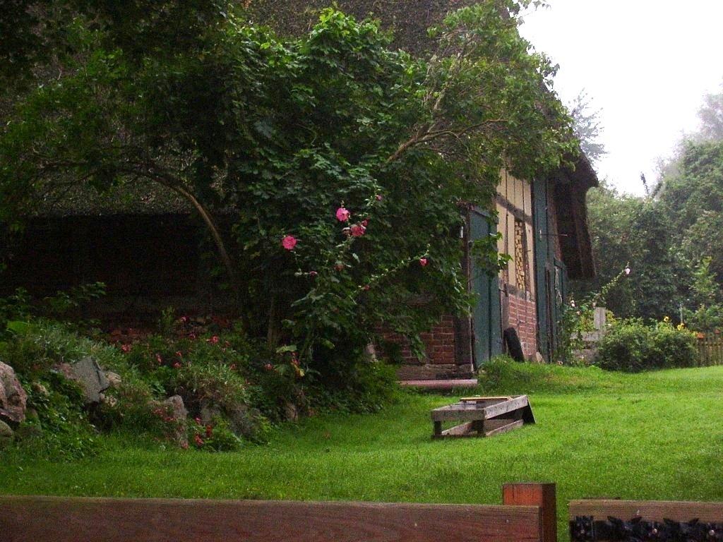 romantisches Bauernhaus direkt am See