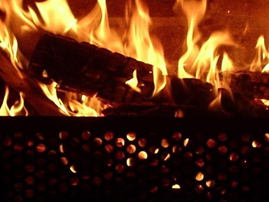 .,*'~|Romantisches Kaminfeuer um Mitternacht|~'*,.