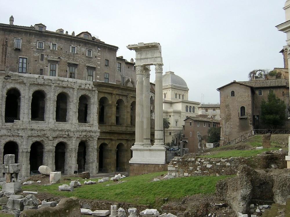 ROMA.TeatroMarcello,rione Campitelli e Sinagoga