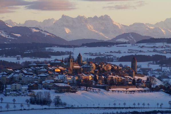 Romont (CH), Alpes, 17.40h. février, coucher de soleil