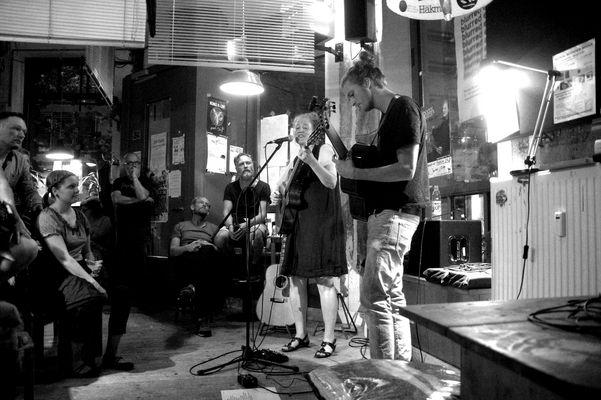 Roods and Reeds in der Jupi Bar 2