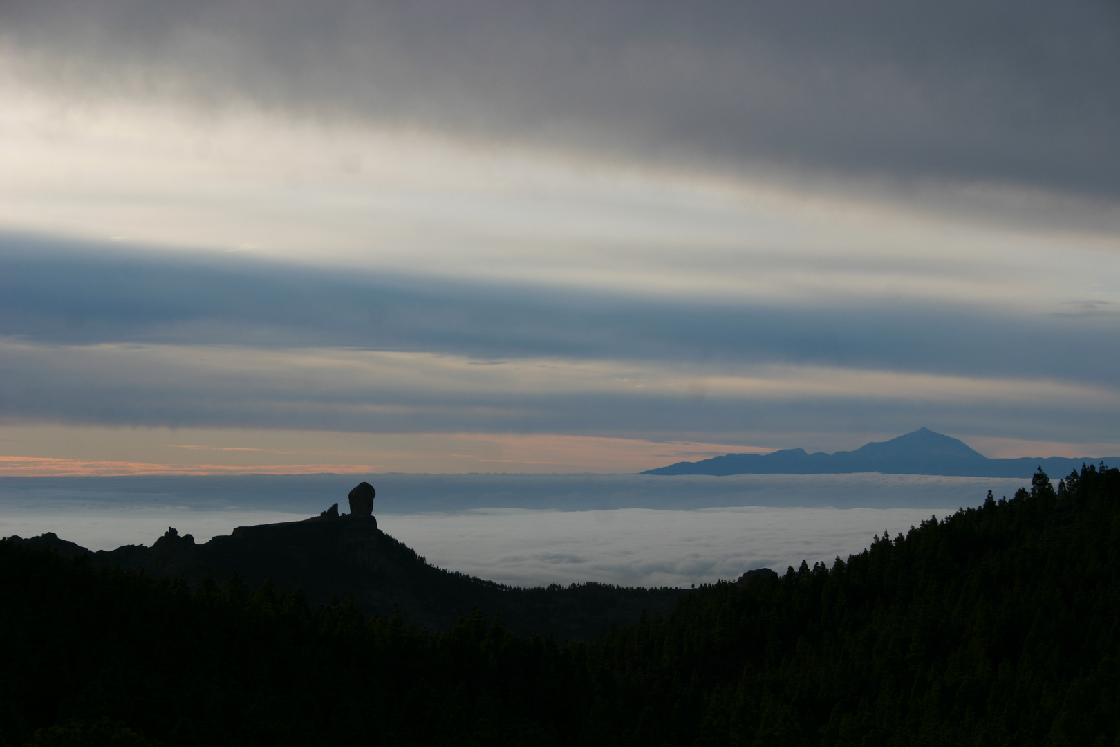 Roque Nublo con El Teide