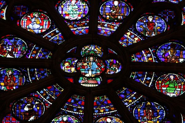 Rosace vitrail DE LA Cathédrale Notre-Dame de Paris.