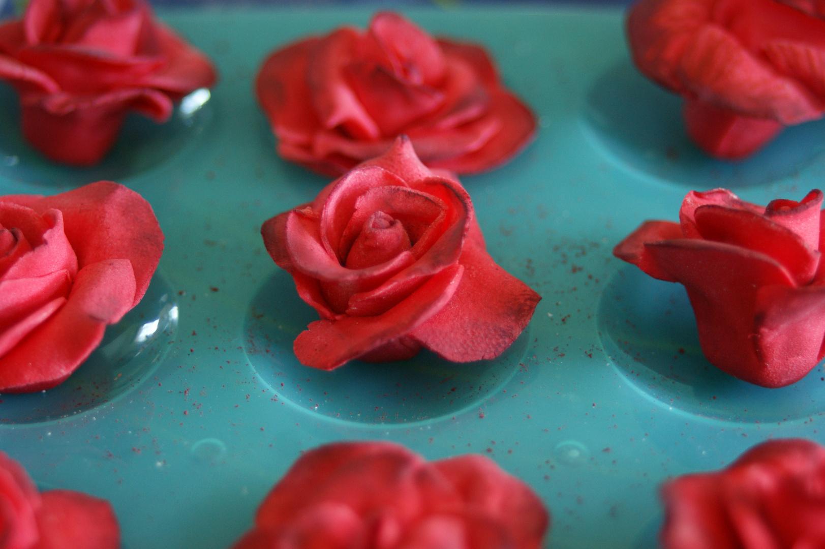 Rosen für die Torte