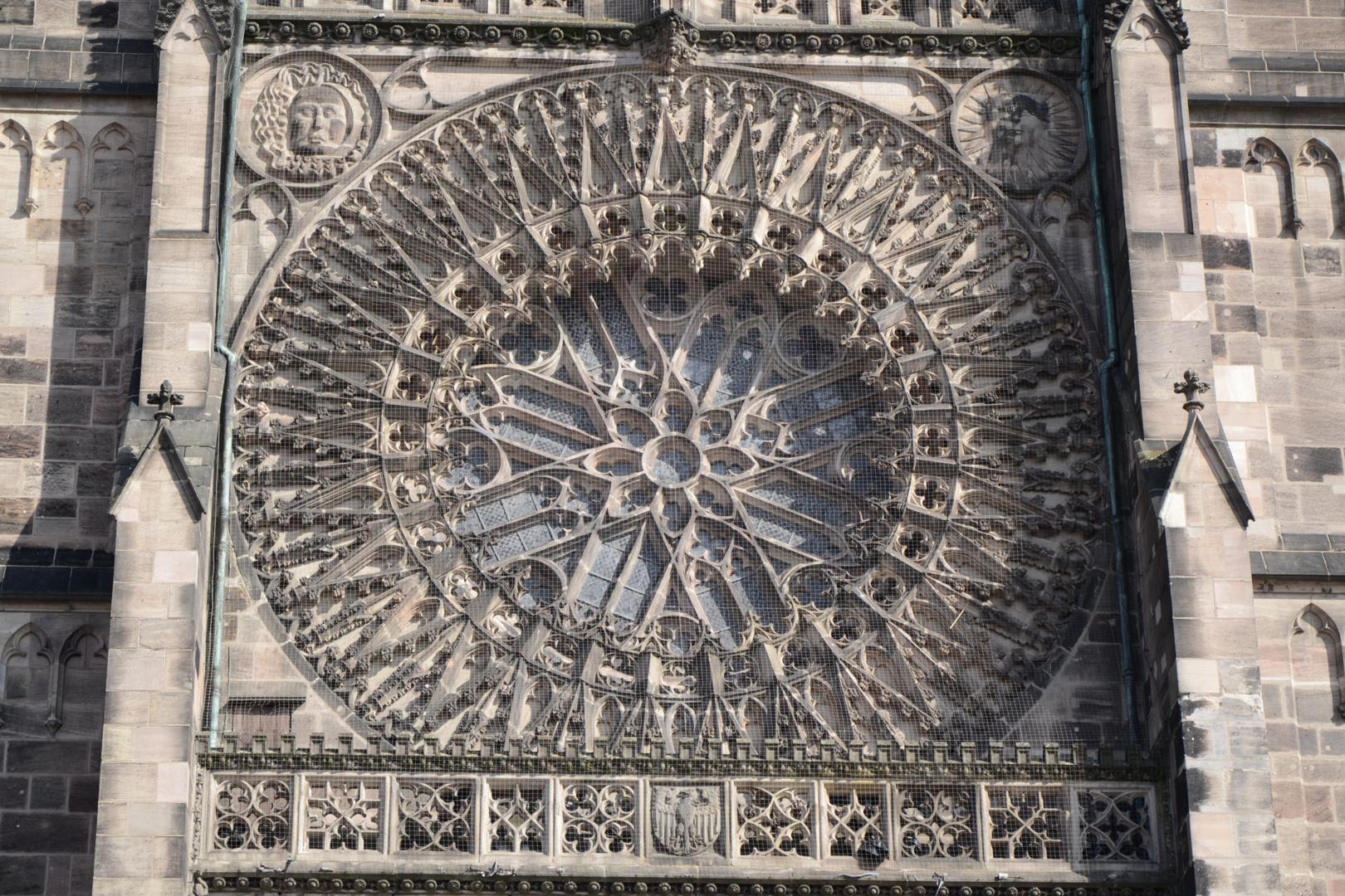 Rosette an der Lorenzkirche in Nürnberg