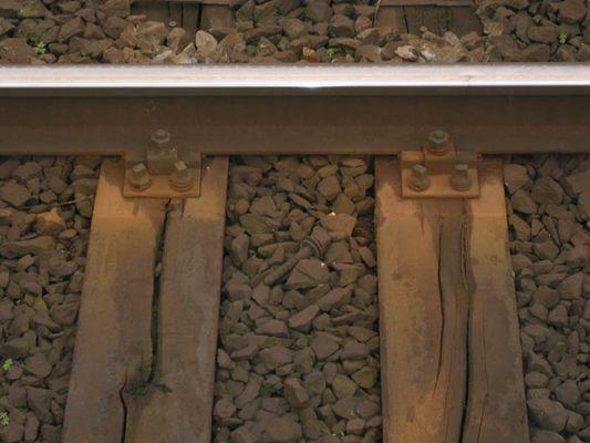 Rostige Gleisbefestigung