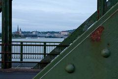 Rostige Linzer Eisenbahnbrücke