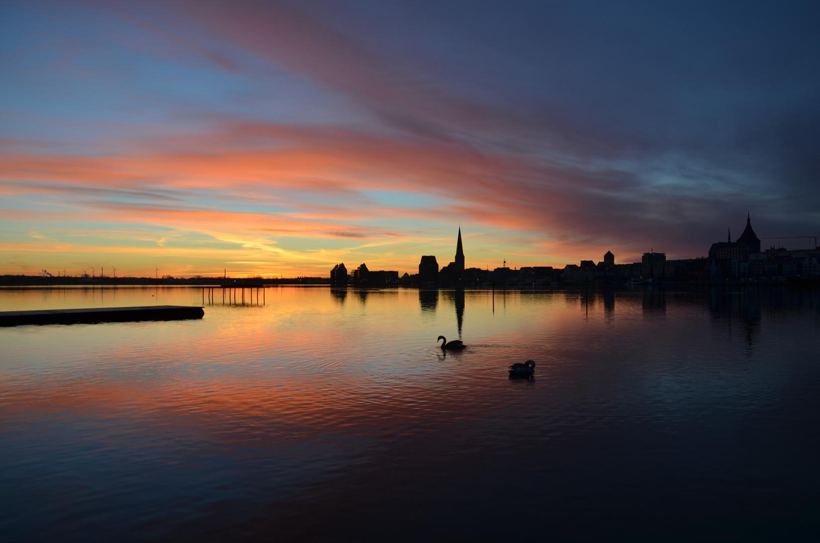 Rostock beim Sonnenaufgang 2