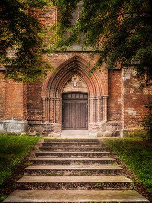Rostock...#02 - Petrikirche Seitenportal