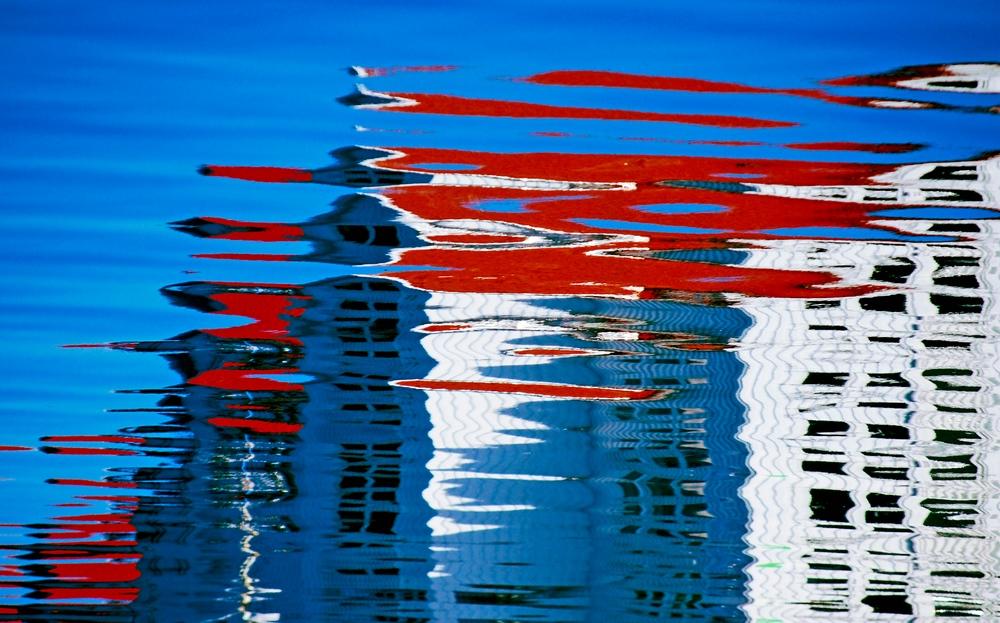 Rot und blau und weiß