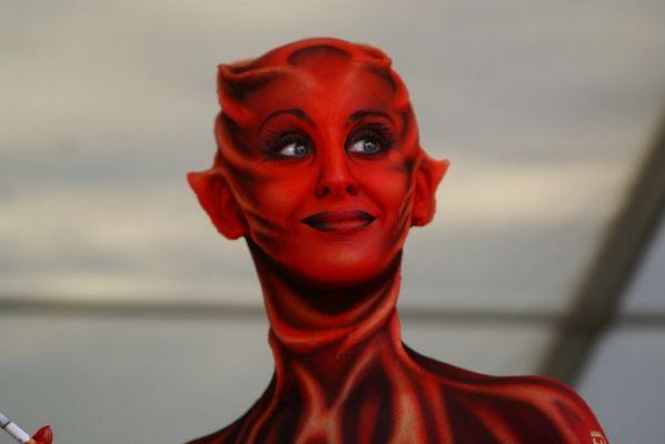 Rote Teufelin
