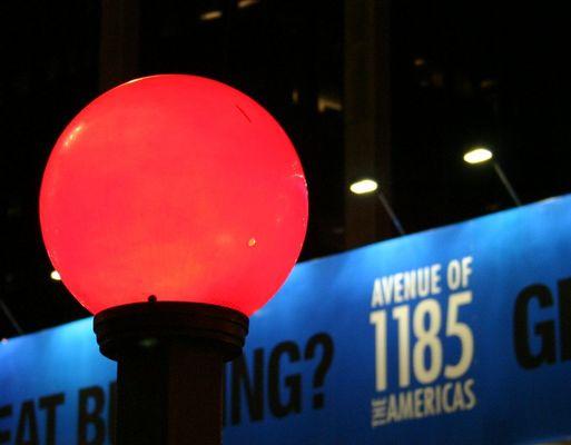 Roter Globe in NY