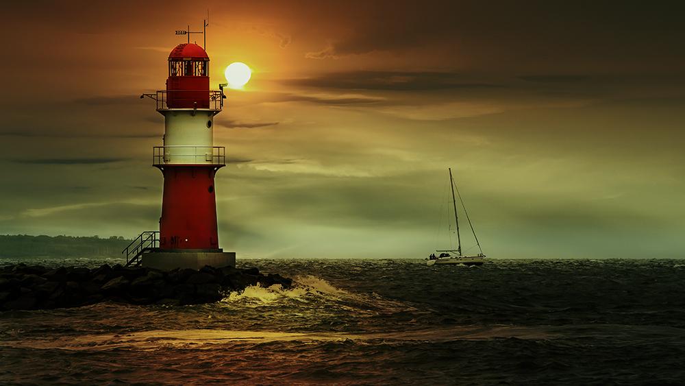 Roter Leuchtturm Warnemünde