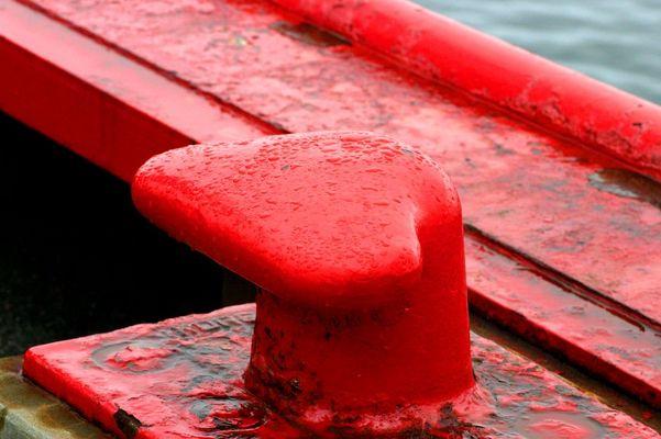 Roter Poller in Tatousac