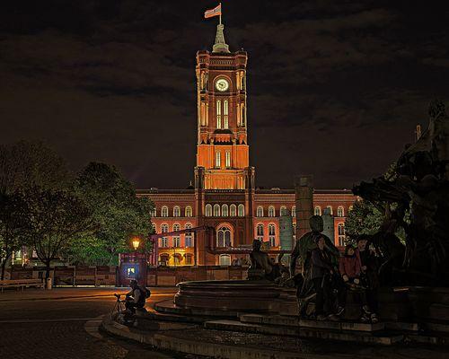 Rotes Rathaus & Neptunbrunnen