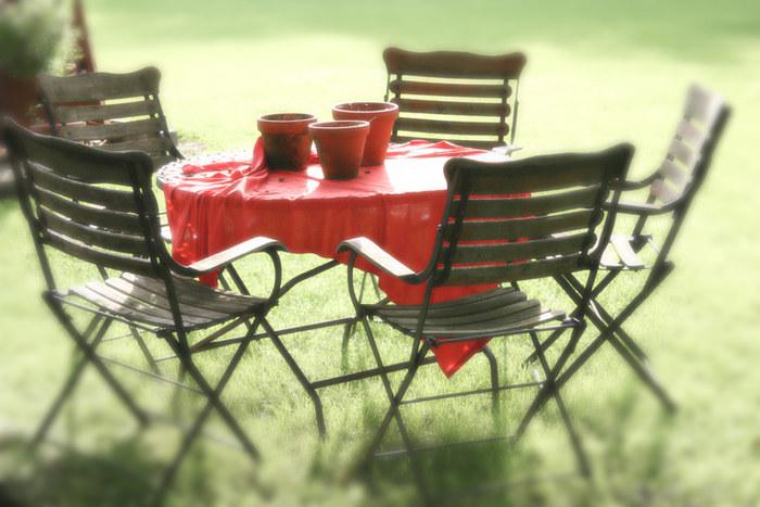 rotes Tischtuch
