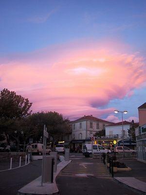 Rotierende Wolken in St. Florent
