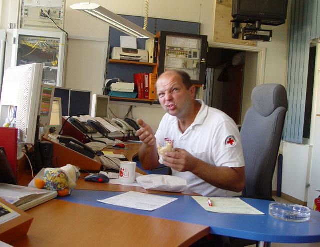 RotKreuz-Mitarbeiter bei der Arbeit