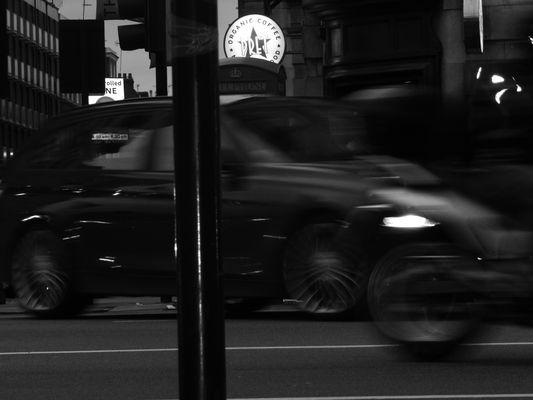 Roues mélangées dans Piccadilly Circus